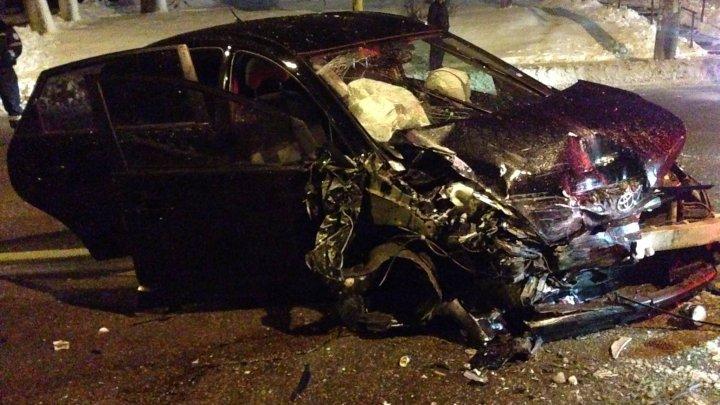 Accident teribil în Capitală. O persoană a murit, iar alte patru au ajuns în stare gravă la spital (IMAGINI DE GROAZĂ)