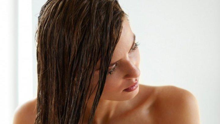 Trebuie să știi asta! Acestea sunt cele cinci greșeli care îți îngrașă părul. Sigur și tu le faci