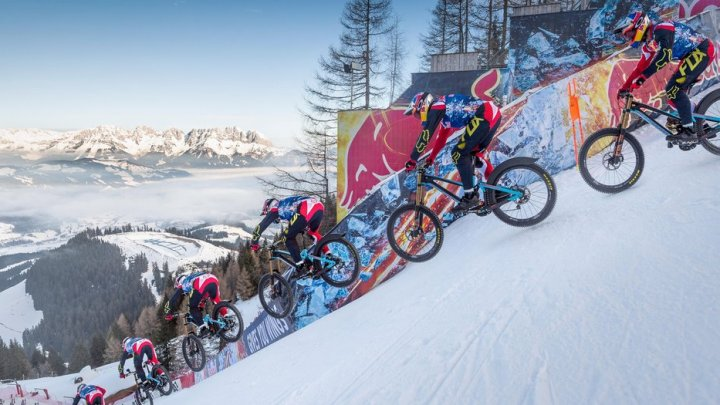 Austriacul Max Stockl a atins viteza de 106 km/h pe pârtia de schi