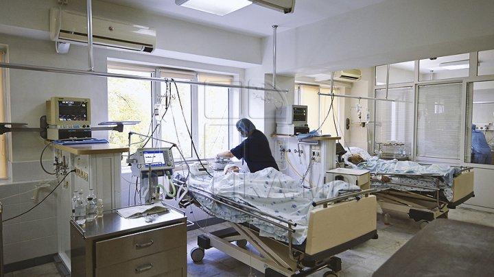 TERIFIANT! O femeie însărcinată, bătută până când a născut. Bebelușul prematur e în pericol