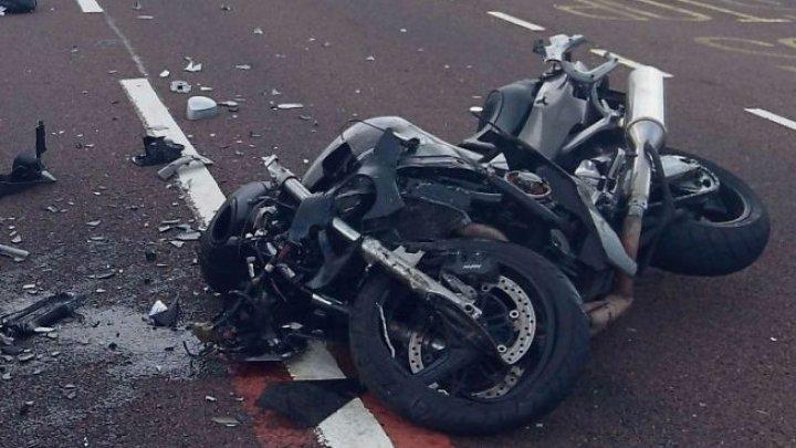 ACCIDENT FATAL în raionul Căuşeni. Un motociclist care conducea fără permis a murit pe loc