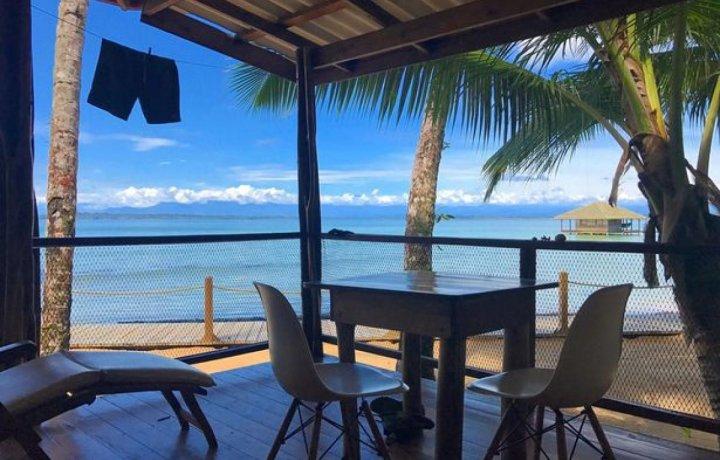 O insulă din Marea Caraibilor vândută la un preţ de numai 10 dolari. Proprietarii oferă şi o primă de instalare de 50.000 de dolari cash (VIDEO)