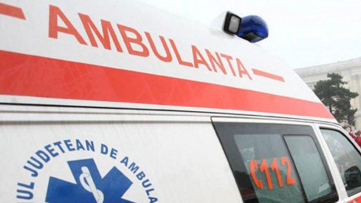 Vreme rea în România. Un bărbat a murit, după ce ambulanța n-a putut ajunge la timp