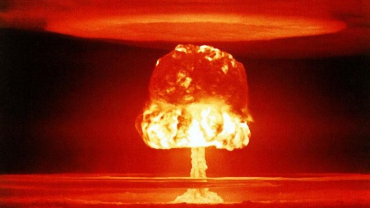 Un grup de ofițeri cer să îi fie tăiat lui Donald Trump accesul la butonul nuclear