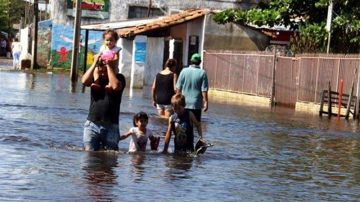 Stare de urgenţă în Paraguay. Cel puţin 20.000 de persoane au fost evacuate din cauza inundaţiilor