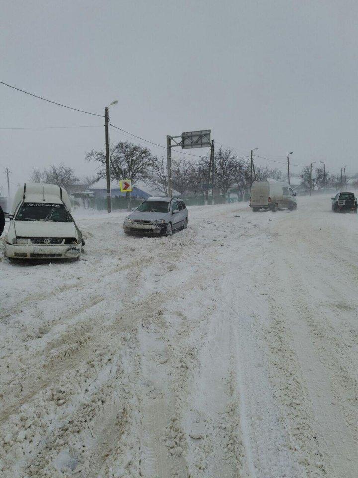 Prima ninsoare serioasă din această iarnă. Cum s-au descurcat autoritățile și cum se circulă (FOTO)