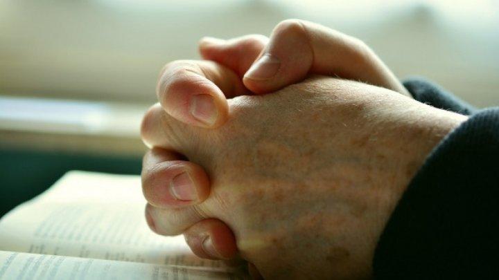 Farmece, blesteme? Vezi care este cea mai puternică rugăciune împotriva lor