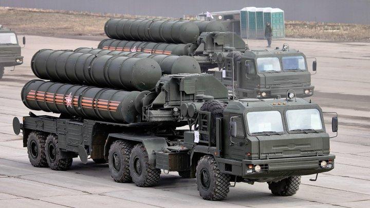 Qatarul vrea să cumpere sisteme de apărare antiaeriană S-400 din Rusia