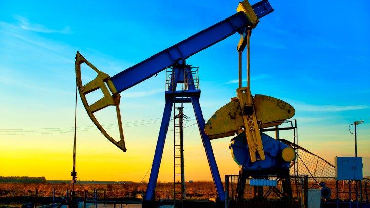 Preţul petrolului a atins cel mai ridicat nivel din ultimii doi ani şi jumătate. Cauzele principale