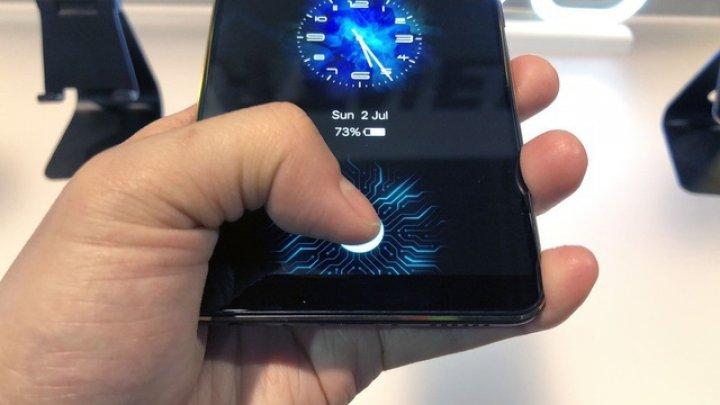 Vivo a prezentat primul smartphone cu senzor de amprentă sub display