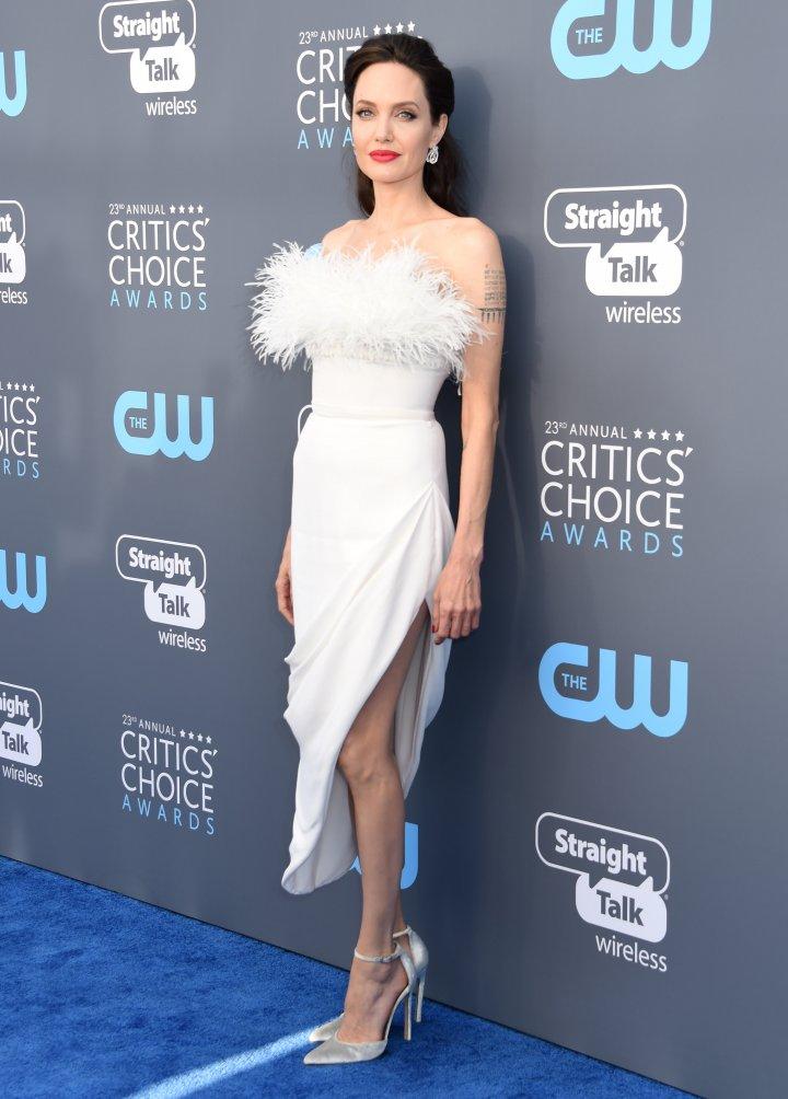 După negru, vedetele de la Hollywood au ales ţinute albe pentru gala Critics Choice Awards (FOTO)
