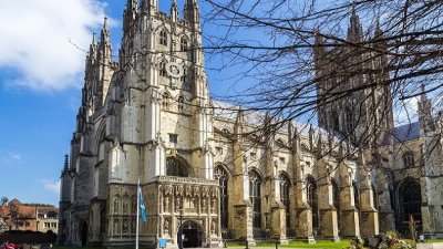 Bisericile din Marea Britanie, folosite pentru a da internet la sate. Unde vor fi instalate antenele