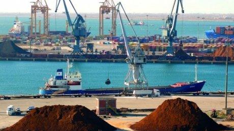 Grecia obţine aproape 232 de milioane de euro din vânzarea portului Salonic