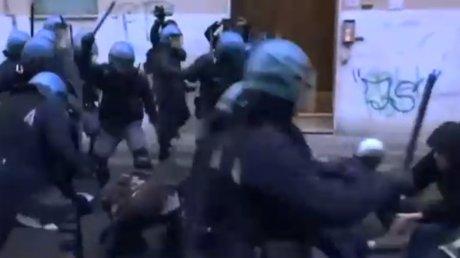 NOI VIOLENȚE ÎN ITALIA. Cresc tensiunile dinaintea alegerilor din 4 martie