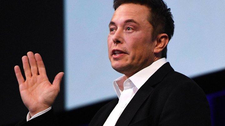 Elon Musk a renunţat la una dintre companiile sale