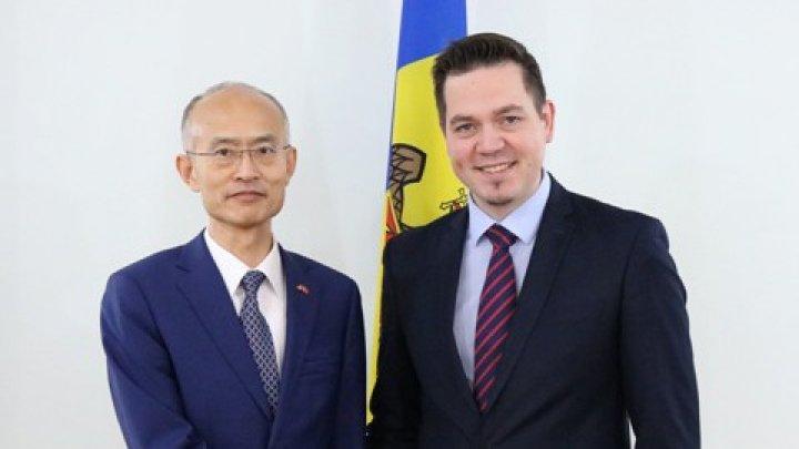 Întrevederea Ministrului Ulianovschi cu Ambasadorul Republicii Populare Chineze, Zhang Yinghong