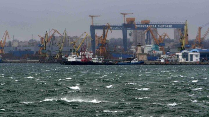Accident în România. Un fost vas turcesc s-a scufundat în Portul Constanţa