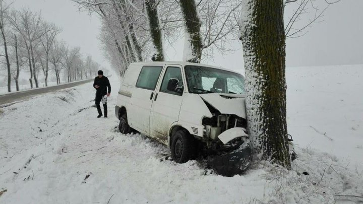 Accident pe şoseaua Bălți-Fălești-Sculeni. Patru persoane au ajuns la spital