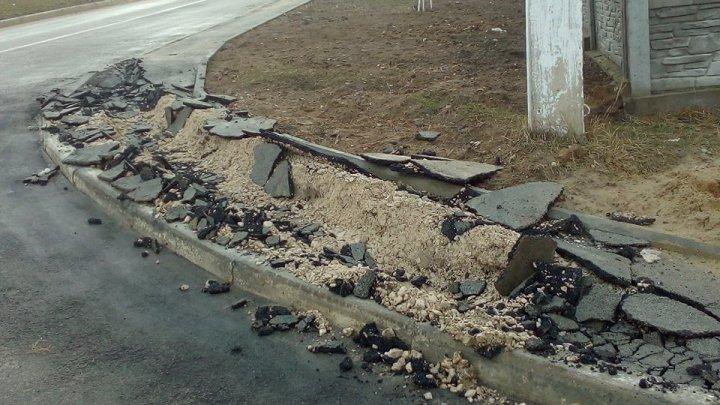 Dincolo de limita bunului simţ! Un trotuar din Ialoveni distrus de un şofer indiferent