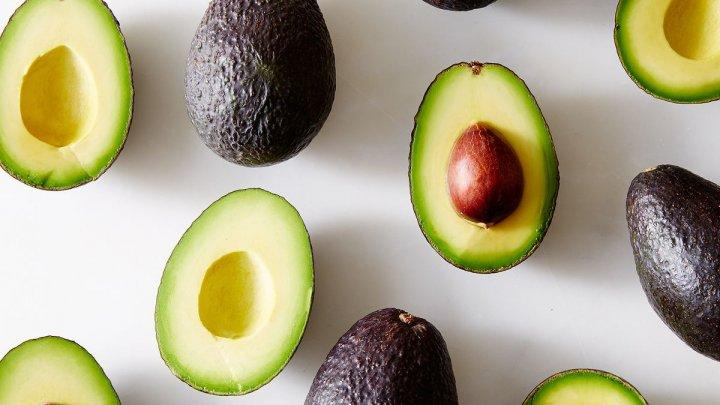 Bine de ştiut! Un avocado pe zi scade nivelul colesterolului și ține kilogramele la distanță
