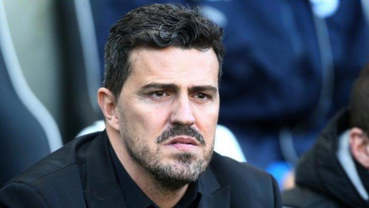 Incidente la meciul PAOK – Olympiakos din campionatul Greciei. Oscar Garcia a fost lovit în faţă cu o rolă de hârtie