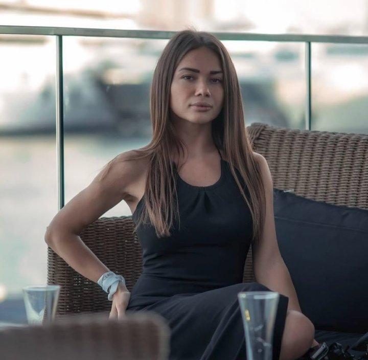 INCREDIBIL! Singura poză cu Anastasia Cecati însărcinată, făcută publică! Tânăra model ucisă de soţul stomatolog îşi ascundea burta