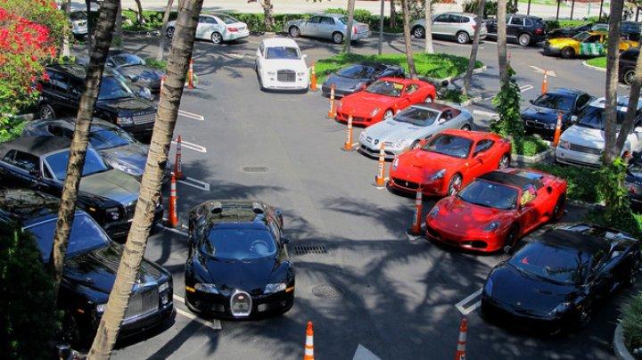 IMAGINI CARE ÎŢI TAIE RESPIRAŢIA! Cum arată agazinul celor super-bogaţi, unde doar parcarea te costă 30 de dolari
