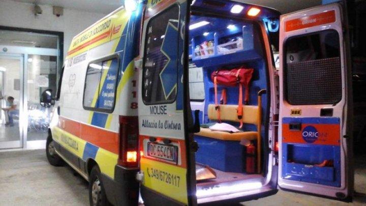 Plin de sânge și zăcând la pământ. Un moldovean, bătut crunt de un conaţional în Italia