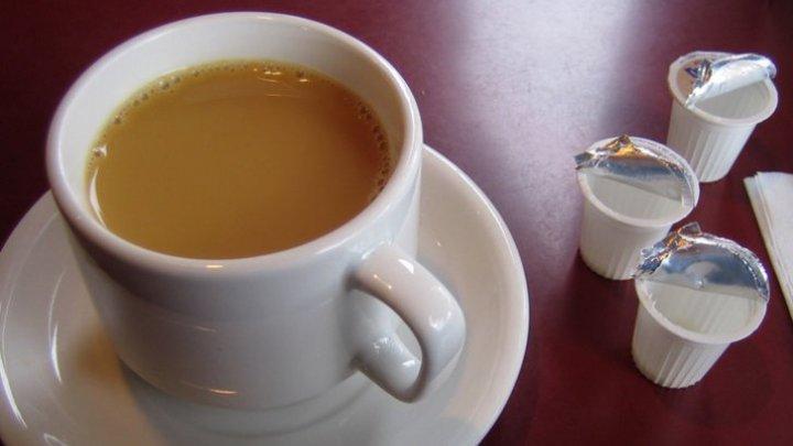 Bine de ştiut! Ce se întâmplă când bei cafea cu lapte pe stomacul gol. La ce concluzie au ajuns specialiștii