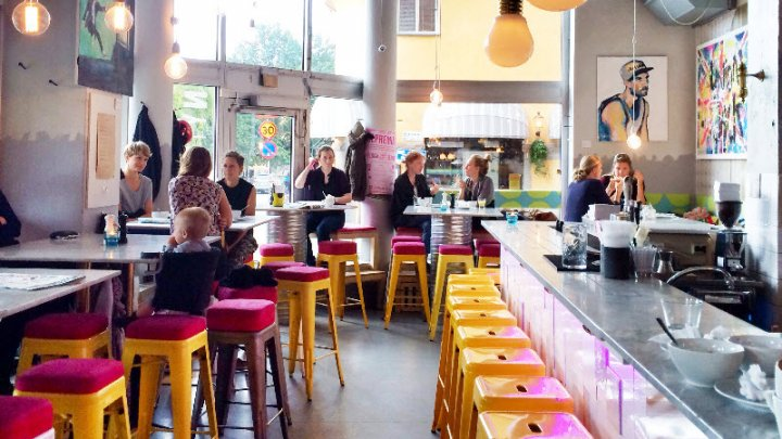Prima țară europeană în care magazinele și restaurantele nu mai acceptă plata în numerar