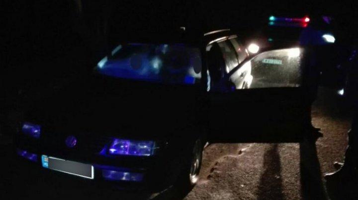 Au furat o maşină dintr-o gospodărie din Costești şi au pornit la drum, dar nu au ajuns prea departe. Ce a urmat