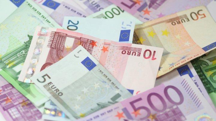 Tranzacţie neaşteptată! Un belgian s-a trezit mai bogat cu 2.000 de miliarde de euro în cont
