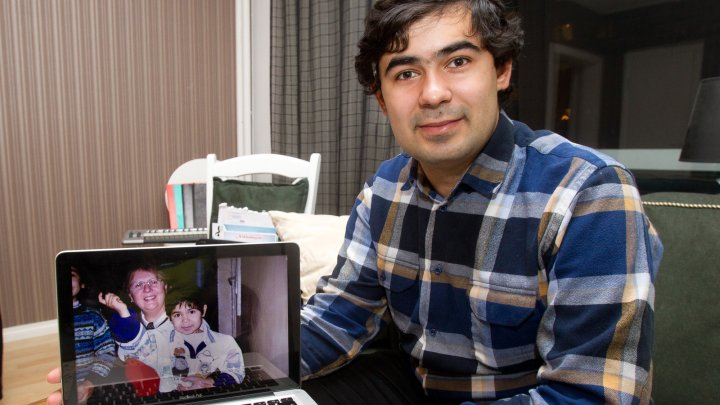 Impresionant! Un angajat Google îşi caută părinţii biologici din România