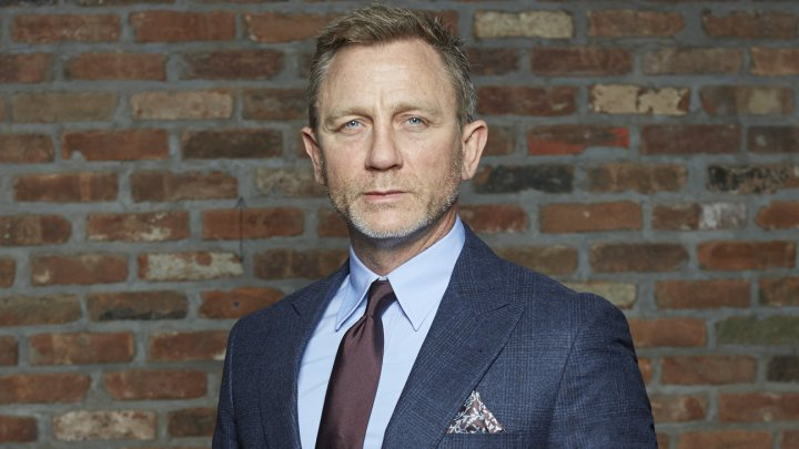 James Bond îşi scoate la vânzare bolidul Aston Martin care a fost creat special pentru el (FOTO)
