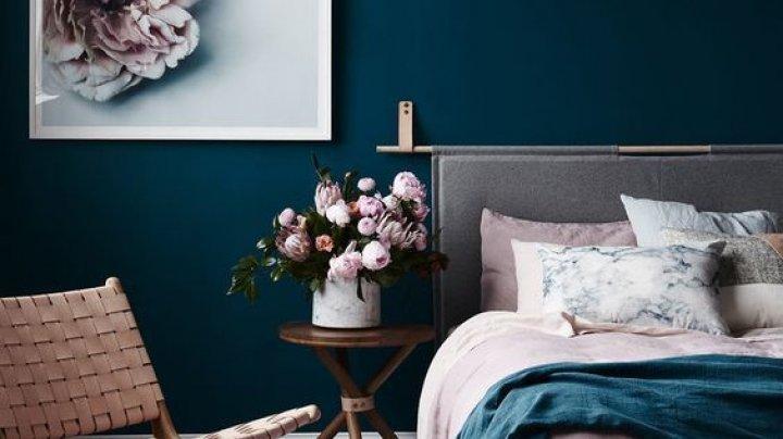 Şapte lucruri care nu au ce căuta în dormitor, dacă vrei să dormi mai bine