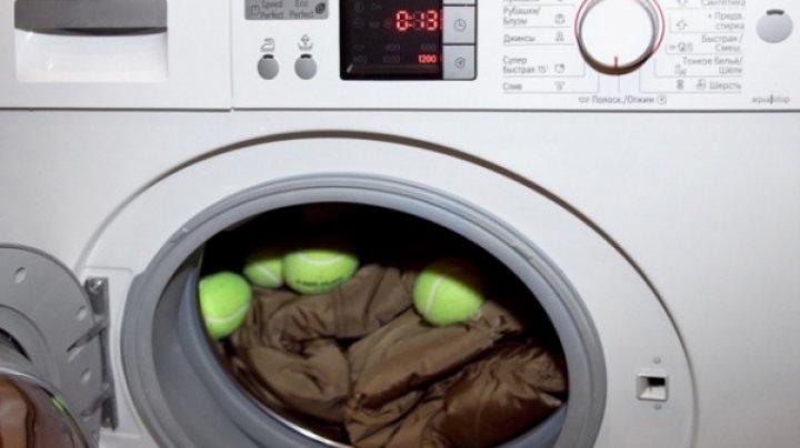 CEA MAI BUNĂ metodă. Cum să-ți speli geaca de iarnă acasă, astfel încât să economisești timp și bani