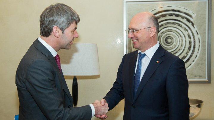 Premierul Pavel Filip şi consilierul Cancelarului german, Jan Hecker au discutat despre cooperarea moldo-germană la Munchen