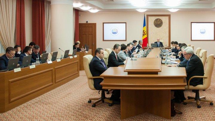 În orașul Călărași vor fi edificate busturile domnitorilor Mihai Viteazul și Alexandru Ioan Cuza