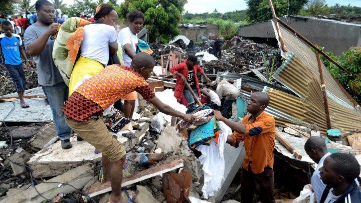 Mozambic: 17 morți, după ce o groapă de gunoi s-a prăbușit peste mai multe case