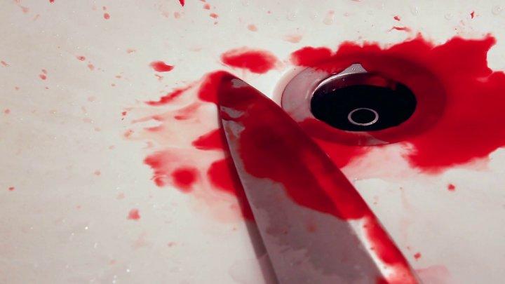 Petrecere cu final sângeros. Un tânăr a ajuns la spital după ce a fost înjunghiat de unchiul său (VIDEO)