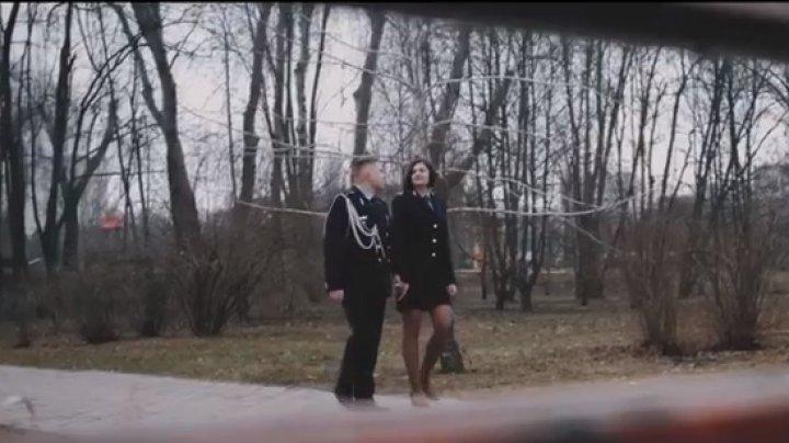TE TREC FIORI! O frumoasă poveste de dragoste, trăită de doi angajați ai Poliției de Frontieră (VIDEO EMOŢIONANT)