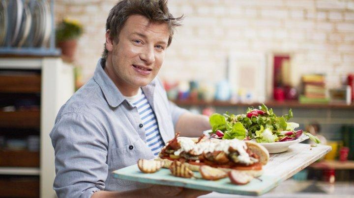 Jamie Oliver, starul TV şi maestrul bucătar britanic, are datorii enorme