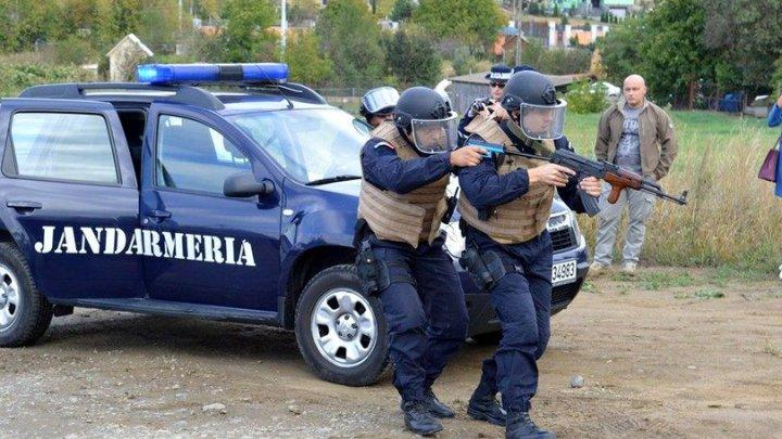 Un jandarm din Braşov, internat la psihiatrie după ce a atacat o echipă de poliţişti cu un spray