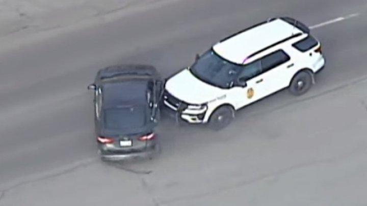 Urmărire nebună pe străzile din Kansas! Intervenţia spectaculoasă a oamenilor legii (VIDEO)