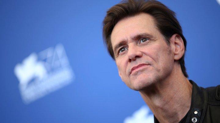 Jim Carrey îşi îndeamnă fanii să-şi şteargă contul de Facebook. Care este motivul