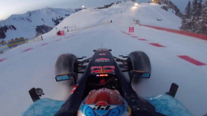 Max Verstappen a făcut show pe zăpadă la volanul bolidului Red Racing