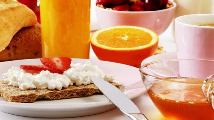 Bine de știut! Micul dejun care ţine creierul în priză toată ziua