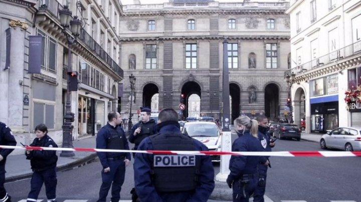 Atac armat la Paris! Şase persoane au fost înjunghiate în plină stradă