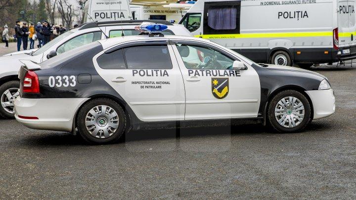 Inspectorii de patrulare, cu ochii pe șoferii care circulă cu pneuri de vară. AVERTISMENTUL Poliţiei