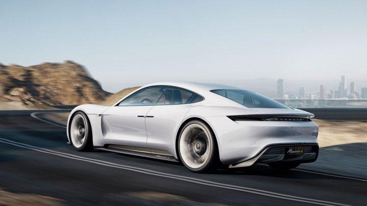Porsche ar putea mări producţia modelului Mission E